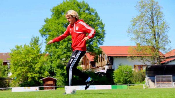 Doppelter Cristiano mit Kick
