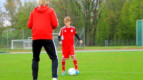 Bloß nicht hinschauen! 👀 Steigere Ballgefühl und Koordination mit NO LOOK