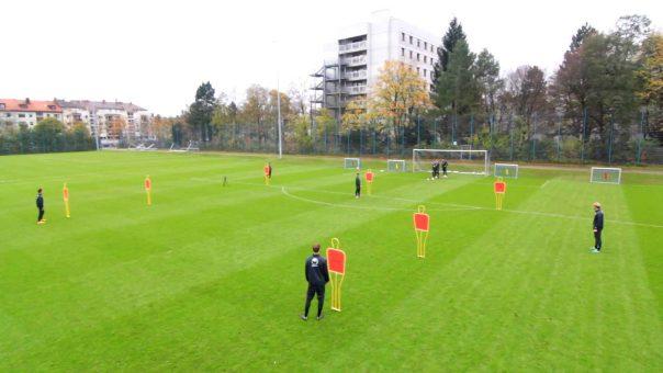 Die Y-Passform // Vielseitige Fussballübung der Profis // Auftaktbewegungen, Pässe, Finten, etc.
