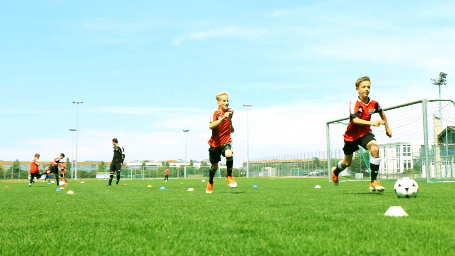 Reaktion & Technik im Jugendfußball: Fangspiel mit Ball