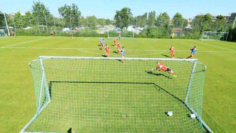 Ausdauerübung für Fußballer: 4-gegen-4 mit Manndeckung