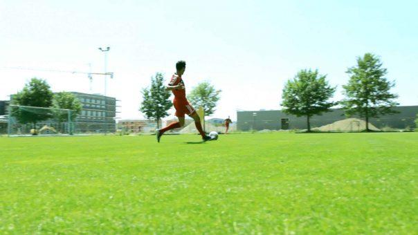 Fußballübung für lineare Schnelligkeit