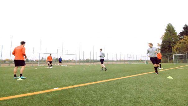 Fußball-Aufwärmübung Passkreis