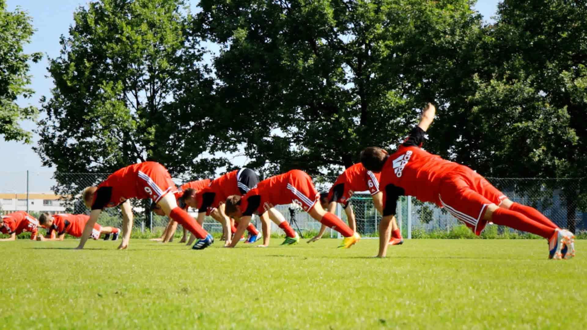 #4: Spiel, Spiele, Spieler – Spiel mit uns! (Fußballtraining-Playlist)