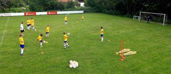 Der tiefe Pass: Fußballübung für Mittelfeldspieler / Kinder & Jugendtraining