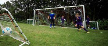 Fußballübung mit Torwart: Seitenwechsel / Jugend