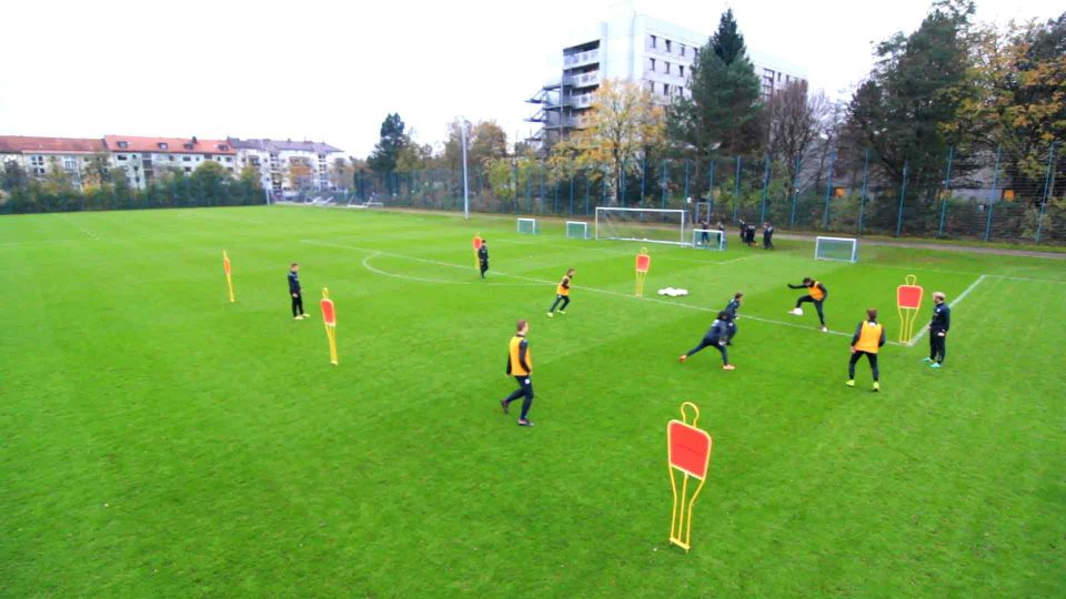 Fussballtraining Umschaltspiel Im 4 Vs 2 Tsv 1860 Munchen